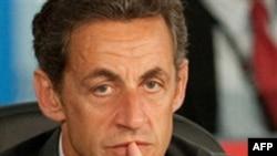 Tổng thống Sarkozy nói Pháp sẽ không bao giờ chấp nhận yêu sách của quân khủng bố