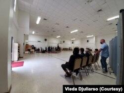 Jenazah Dylan Sada disalatkan di Islamis School of New Orleans pada Rabu (11/11). (Foto: Courtesy/Vieda Djuliarso)