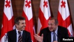Gürcüstanın yeni prezidenti Giorgi Margelaşvili baş nazir Bidzina İvanişvili ilə birlikdə