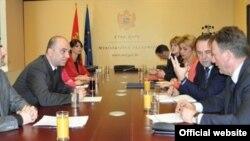 Sastanak ministra ekonomije Crne Gore Vladimira Kavarića i potpredsednika Vlade Srbije Rasima Ljajića u Podgorici (gov.me)