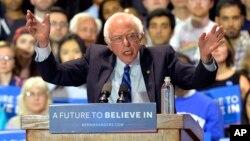 Tingkat popularitas kandidat Capres Partai Demokrat, Bernie Sanders hampir menyamai Hillary Clinton (foto: dok).
