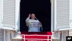 """""""Desde hace tiempo siento en el corazón el profundo dolor, sufrimiento"""", dijo el Papa."""