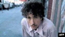 Bob Dylan nổi tiếng với những bản nhạc từng mang lại nguồn cảm hứng cho phong trào phản đối chiến tranh Việt Nam ở Mỹ