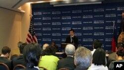 杨永明在全国记者俱乐部发表演说