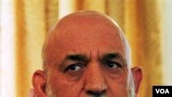 Presiden Afghanistan Hamid Karzai mengakui kantornya menerima bantuan keuangan dari Teheran.
