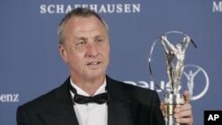Johan Cruyff, le 22 mai 2006. . (AP Photo/Manu Fernandez)