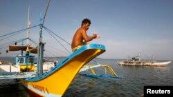 Bộ trưởng Quốc phòng Philippines Voltaire Gazmin nói luật lệ chính quyền tỉnh Hải Nam của Trung Quốc ban hành không áp dụng cho vùng biển thuộc chủ quyền Philippines.