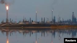 Vista de refinería Amuay, en Punto Fijo, Venezuela. Foto de archivo.