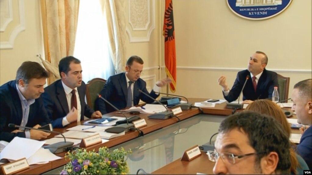 Shqipëri, debate për zëvendësimin e Kryeprokurorit