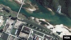 Foto satelit fasilitas nuklir Korea Utara di pusat nuklir Yongbyon (foto dokumentasi).