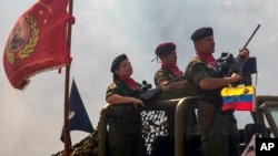El ministro de Defensa de Venezuela, Vladimir Padrino López, dijo que los ejercicios se prolongarán diez días con la participación de 80.000 militares y 20.000 civiles.