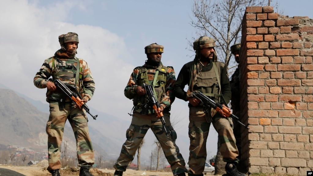 印控克什米尔地区的印度陆军士兵(2016年2月22日)