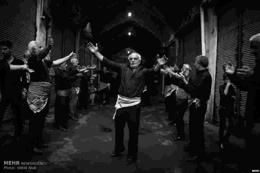 مراسم عزاداری شبهای احیا در بازار تبریز عکس: وحید عبدی