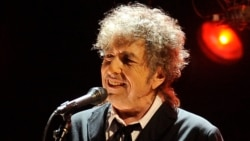 50 Years Ago Dylan Goes 'Electric'
