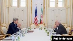 美国国务卿克里6月30日在奥地利维也纳与伊朗外长扎里夫在伊核会谈前见面。