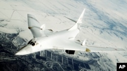 Arhiva- Bombarder Tupoljev 160 snimljen tokom trenažnog leta.
