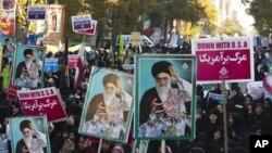 Иран ја одбележа годишнината од опсадата на американската амбасада во 1979