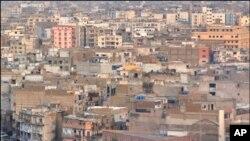 کراچی کی لرزتی عمارتوں کے' دلیر' شہری