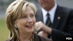 Hillary Clinton se reúne con Netanyahu, tras los encuentros que el líder israelí sostuvo con el vicepresidente Biden y el secretario general de ONU, Ban Ki-moon.