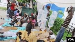 Angola - Banco de socorros em hospital de Luanda