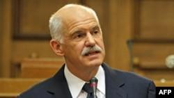 Lãnh đạo Châu Âu và các chuyên gia phân tích tài chính kinh ngạc trước quyết định trưng cầu dân ý của Thủ tướng Hy Lạp George Papandreou