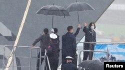 台湾总统蔡英文周一视察台湾北部的基隆海军基地。(2021年3月8日)