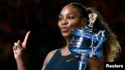 «سرینا ویلیامز» پرافتخارترین تنیسور زن جهان است و ۲۳ عنوان قهرمانی گرانداسلم در کارنامه حرفه ای خود دارد.