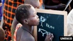 Mesmo que tenham ido à escola primária, poucos jovens têm acesso ao ensino secundário.