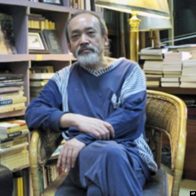 旅美中国学者王康