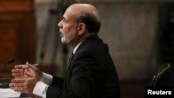 Bernanke subrayó que para cambiar de política la FED necesita ver señales más firmes de que todo marcha bien.