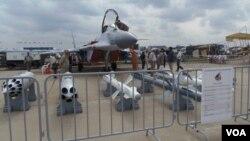 2013年莫斯科航展上展出的升級版米格-29SMT戰機 (攝影﹕美國之音白樺)