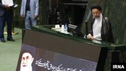 محمود علوی وزیر اطلاعات ایران در صحن علنی مجلس