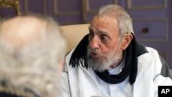Fidel Castro volvió a ser visto en público antes de que se instale, el 16 de abril, el Séptimo Congreso del gobernante Partido Comunista.
