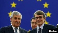 """El presidente saliente Antonio Tajani deseó """"buen trabajo por el futuro de Europa"""" a su sucesor."""