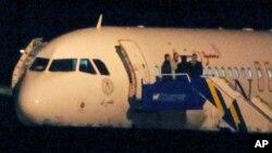 Перехваченный ВВС Турции авиалайнер Airbus A-320, следовавший рейсом Москва-Дамаск