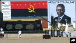 Kundi Paihama adverte adversários de José Eduardo dos Santos (VOA)