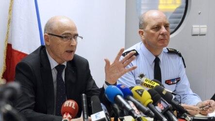 法国马赛检察官星期四向记者通报德国之翼客机坠毁调查进展。