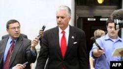 Thượng nghị sĩ John Ensign công nhận và xin lỗi về vụ ngoại tình và đã từ chức
