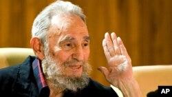 Foto oficial de Fidel Castro durante una feria del libro, en La Habana, en febrero de 2012.