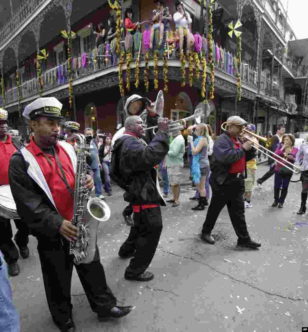 Nueva Orleans es especialmente conocido por sus celebraciones del Mardi Gras, la fiesta de Carnaval.