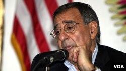 Menhan AS Leon Panetta memperingatkan resiko gawat bila Israel melakukan serangan atas Iran.