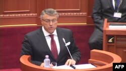 Shqipëri, parlamenti pro privatizimit të hidrocentraleve, opozita mungon