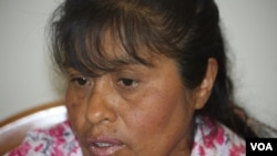 La activista Josefa Condori Quispe habla con la Voz de América.