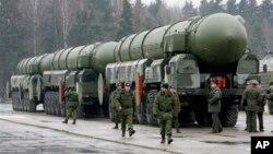 俄罗斯的白杨-M洲际弹道导弹(资料照)