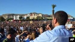 Le militant Nasser Zefzafi lors d'une manifestation à Al-Hoceïma dans la région du Rif, Maroc, le 18 mai 2017.