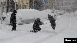 Sneg u Madridu, u Španiji, 9. januar 2021. godine (Foto: AP/Paul White)