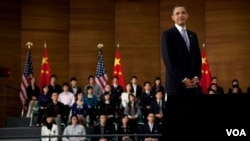 Obama se refirió también al tema de los derechos humanos y exhortó a los líderes chinos a que reanuden el diálogo con el Dalai Lama.