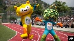 Maskot Olimpiade Rio de Janeiro tahun 2016 (kiri), dan mascot paralimpik ditampilkan di Santa Teresa, Rio de Janeiro (foto: dok).