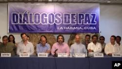 La delegación guerrillera estuvo encabezada por el comandante de las FARC, Iván Márquez, jefe del equipo negociador de los rebeldes en las conversaciones de paz que se realizan en Cuba.