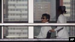 山東盲人維權者陳光誠5月2日在北京朝陽醫院。